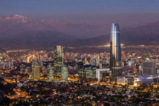 Revelan que el 53% de los extranjeros que llegan a Santiago provienen de Brasil, Argentina y EE.UU.