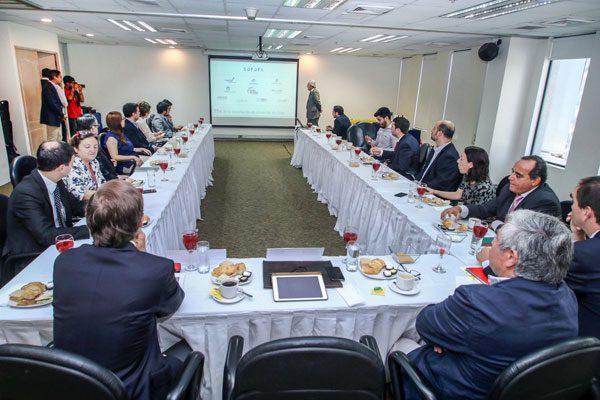Exportadores piden dar un salto en imagen país y apoyan plan que integra fundación a ProChile