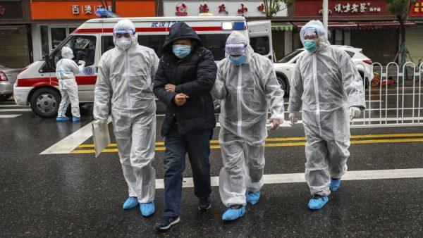 Coronavirus hace quebrar ya a históricos touroperador y aerolínea