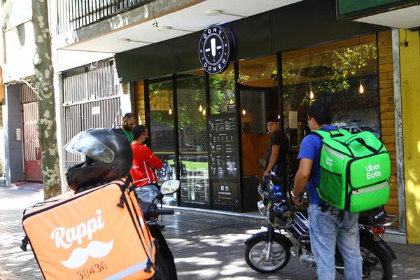 La rebelión de los restaurantes en contra de las grandes aplicaciones de delivery